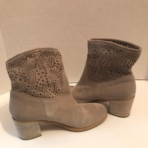 Crown Vintage Gray Suede High Heel Boots Women 7